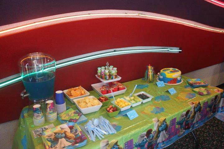 smurf food table