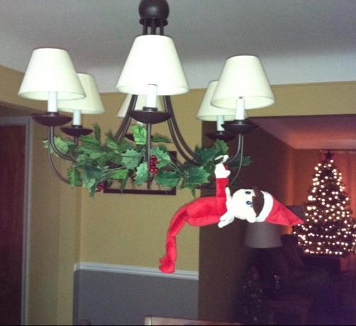 elf on the shelf stripping