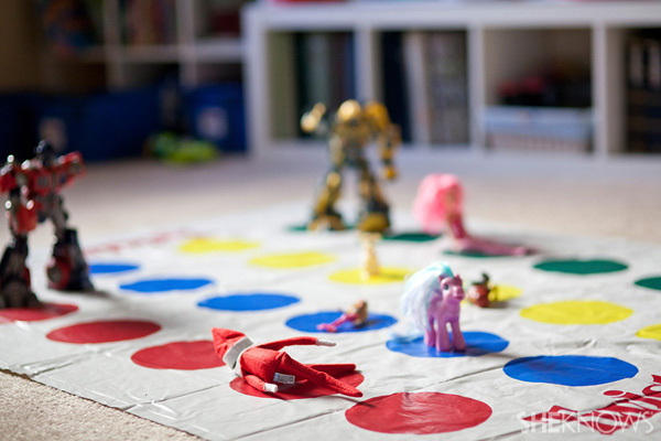 elf playing twister