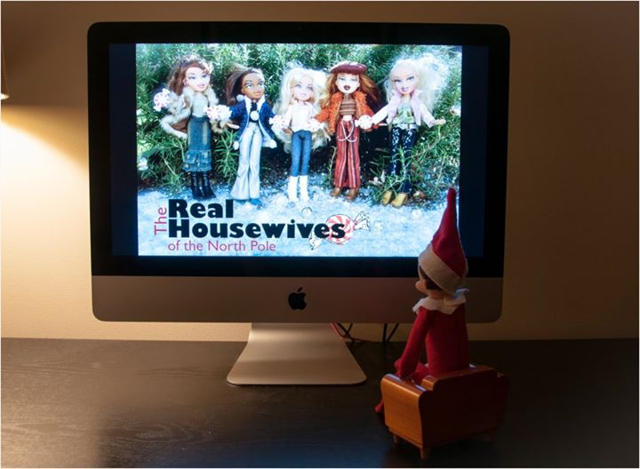 elf watches the housewives